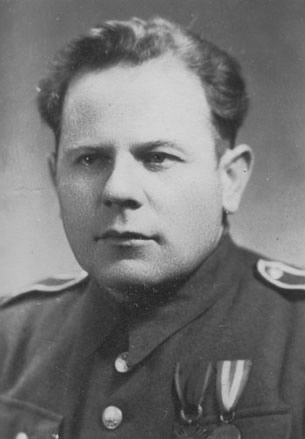 Lt. Wojciech Jaroszewicz, Polish secret Police, the UB, assigned to the Nowy Sącz County PUBP office. One of the murderers of PSL activists:, Dr. Szczepan Niedźwiedź, and Józef Górowski
